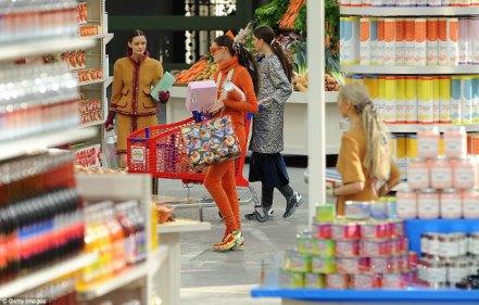 marcando_tendencia_blog_paris_fashion_week_supermercado_chanel_shopping_center_karl_lagerfeld_24