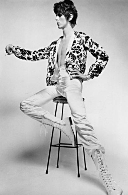 Ziggy Stardust es el más famoso personaje de Bowie, y fue inspirado por una mezcla de referencias culturales.